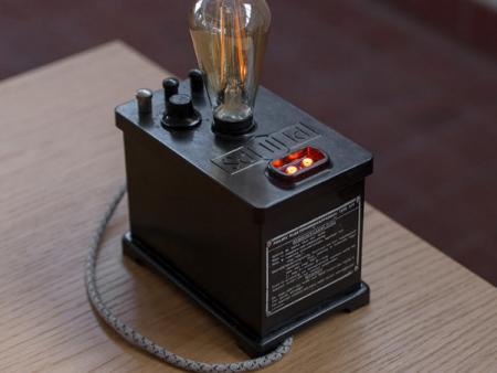 philips-tafellamp-bureaulamp-bakeliet-LEDlamp-uniek-02