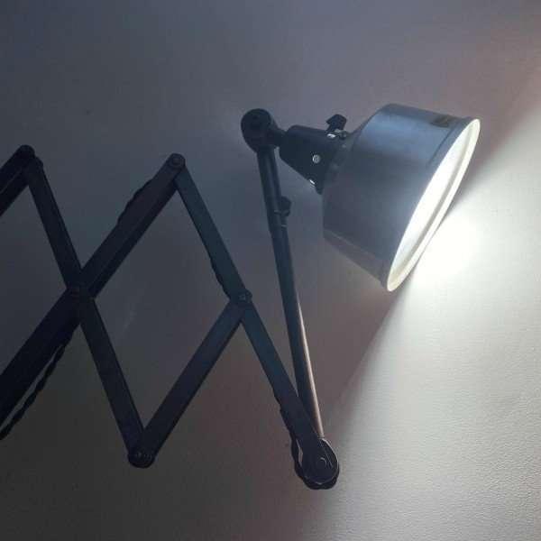 bauhaus-lamp-accordeon-schaarlamp-midgard-bureau-lamp-BINK-03