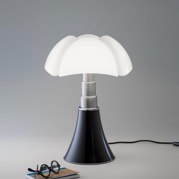 Gae-aulenti-pipistrello-martinelliluce-zwart-leeslamp