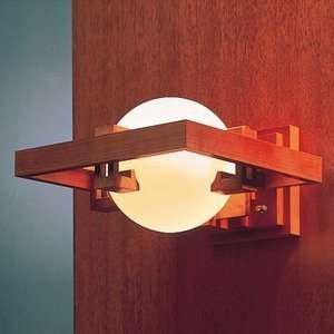 Frank-Lloyd-Wright-cherry-kersenhout-wandlamp-01